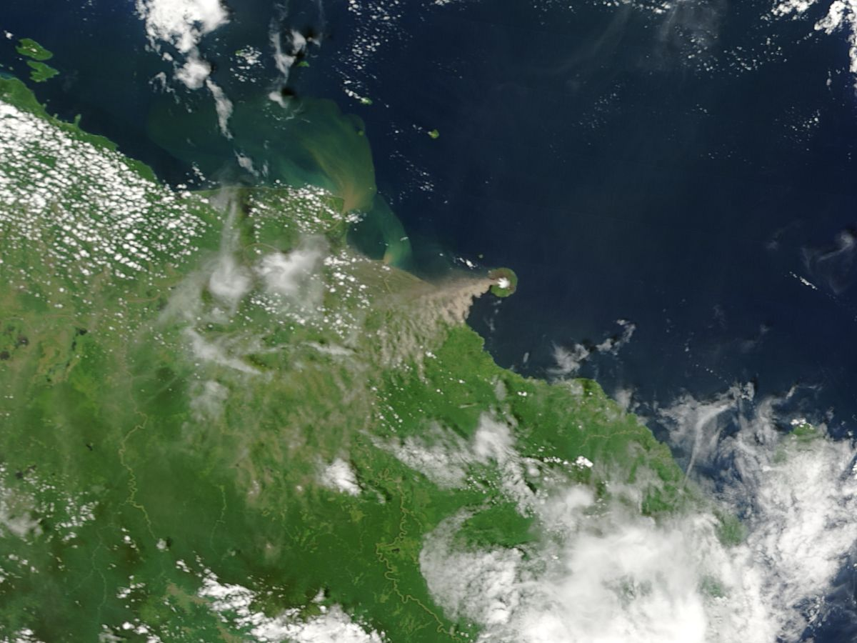 Ash plume of Manam Island eruption in 2004
